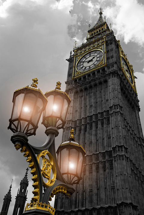 London Big Ben and Parliament with victorian Street lamps