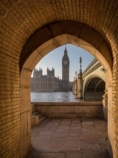 London River Thames Big Ben Clock Tower Cityscape viewed through stone arch