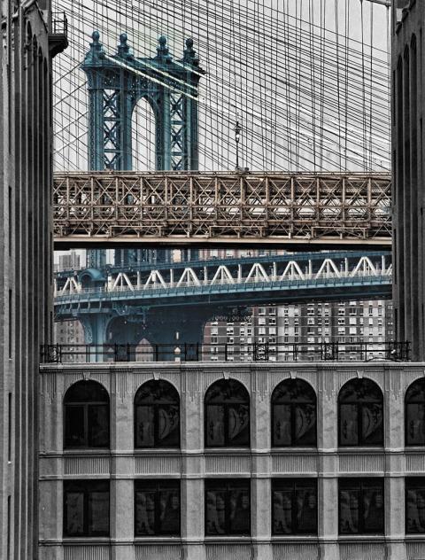 brooklyn bridge manhattan viewd from dumbo nyc