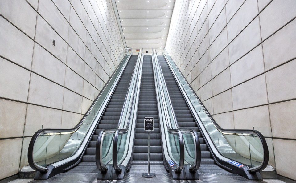 modern architecture stairway moving escalator canary wharf london docklands
