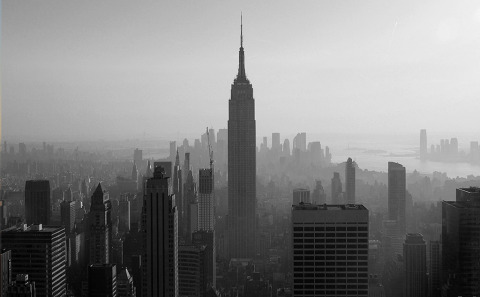 empire-state-building-and-downtown-view-manhattan-NYC-New-York-City-black-and-white