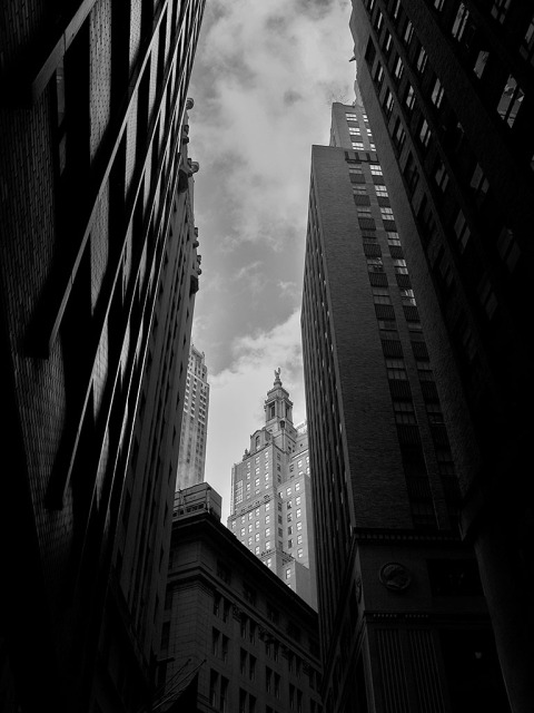 wall-street-buildings-manhattan-NYC-New-York-City-black-and-white