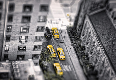 yellow-taxi-selective-focus-from-above-manhattan-NYC-New-York-City