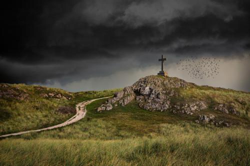 anglesey-wales-stone-cross-ynys-llanddwyn-stormy-sky