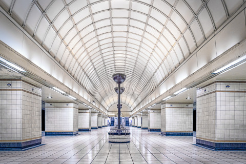 gants-hill-london-underground-art-deco-tube-train-station
