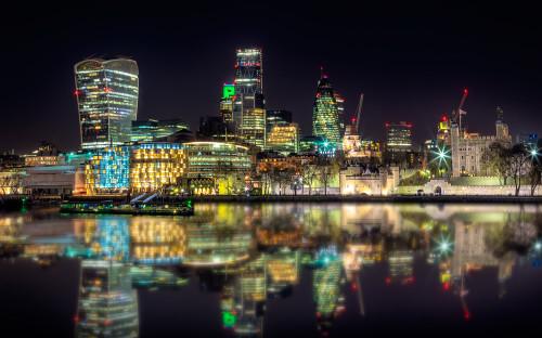 London-skyline-night-tower-walkie-talkie-gherkin-reflections-thames-river