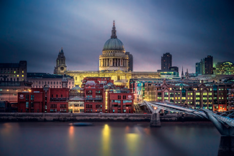 London-st-Pauls-Cathedral-River-Thames-Millennium-bridge-Dusk