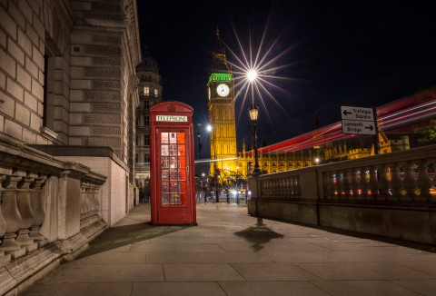 London-night-street-scene-big-ben-red-phone-box