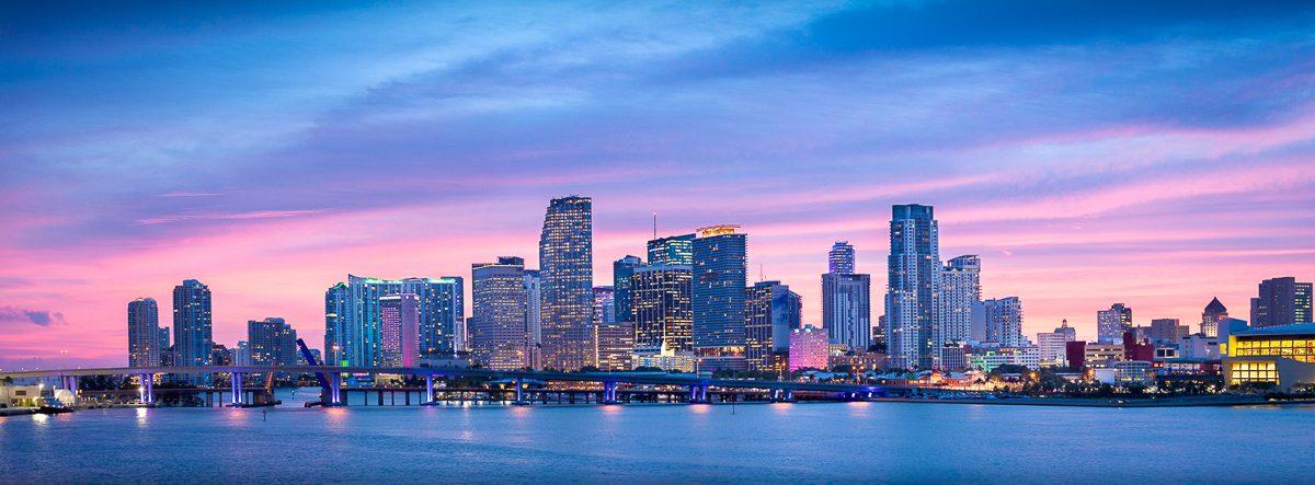 Miami-skyline-sunset-panorama