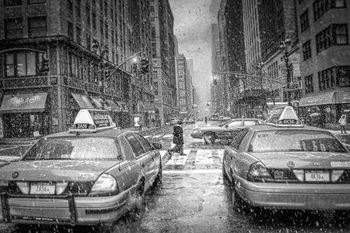 NYC-new-york-city-snow-scene-taxi
