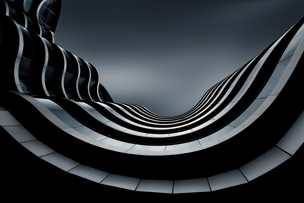antonyz long exposure architecture curved modern office building London black and white