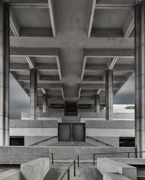 antonyz long exposure architecture modern brutalist building fort lauderdale black and white