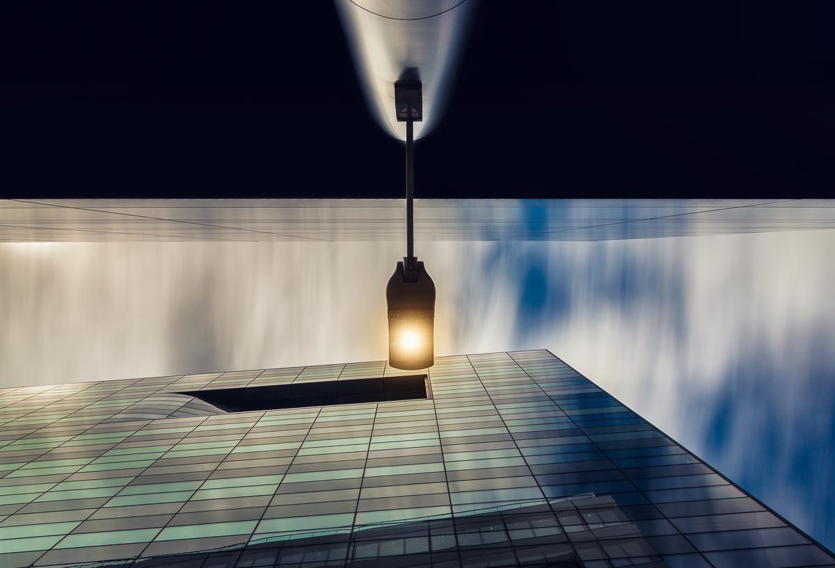 antonyz long exposure architecture modern office building London street light