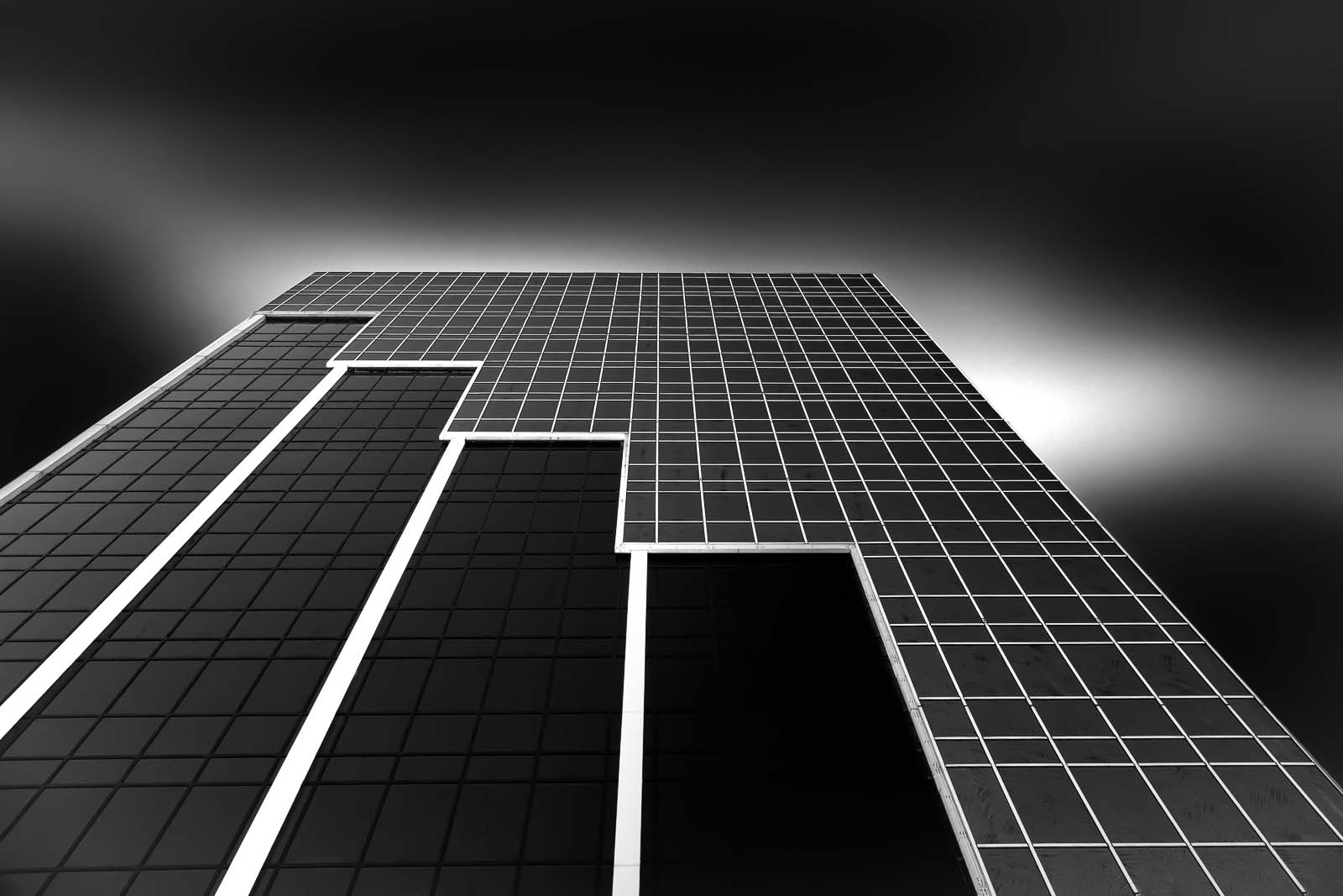 antonyz long exposure architecture modern glass office building miami black and white
