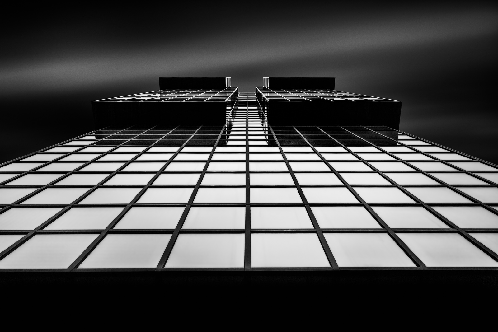 antonyz long exposure architecture black and white square windows modern office building