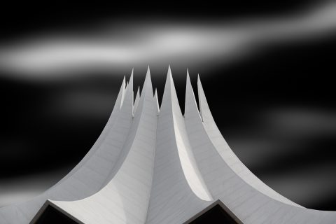antonyz long exposure architecture black and white berlin tempodrom building