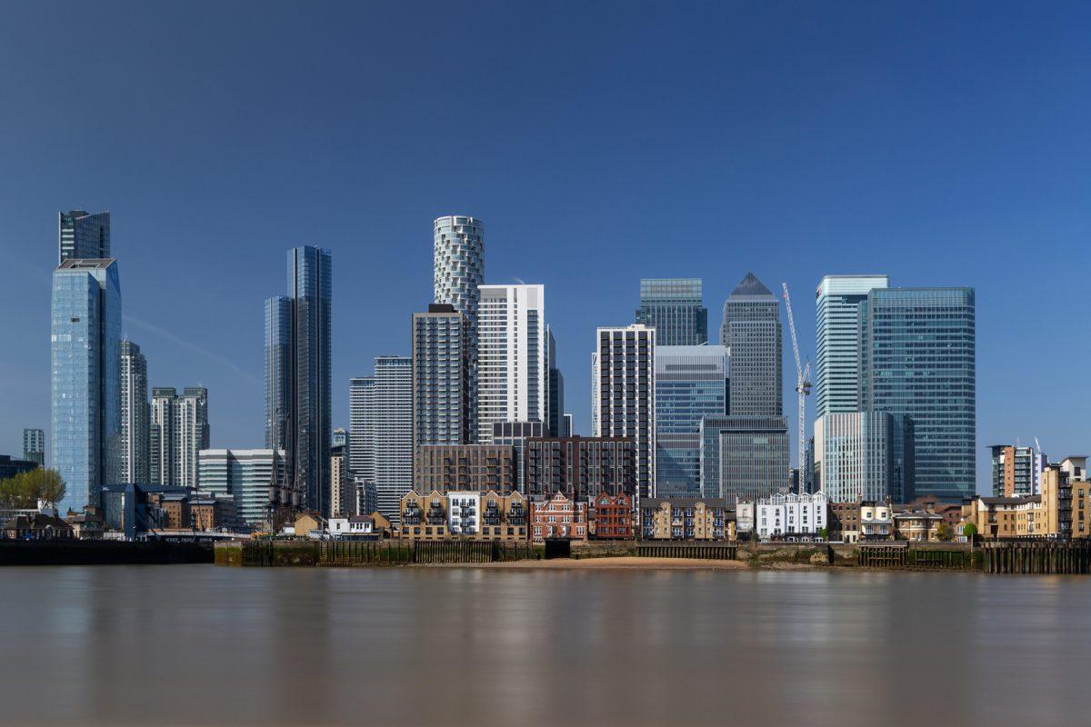 antonyz canary wharf long exposure london docklands